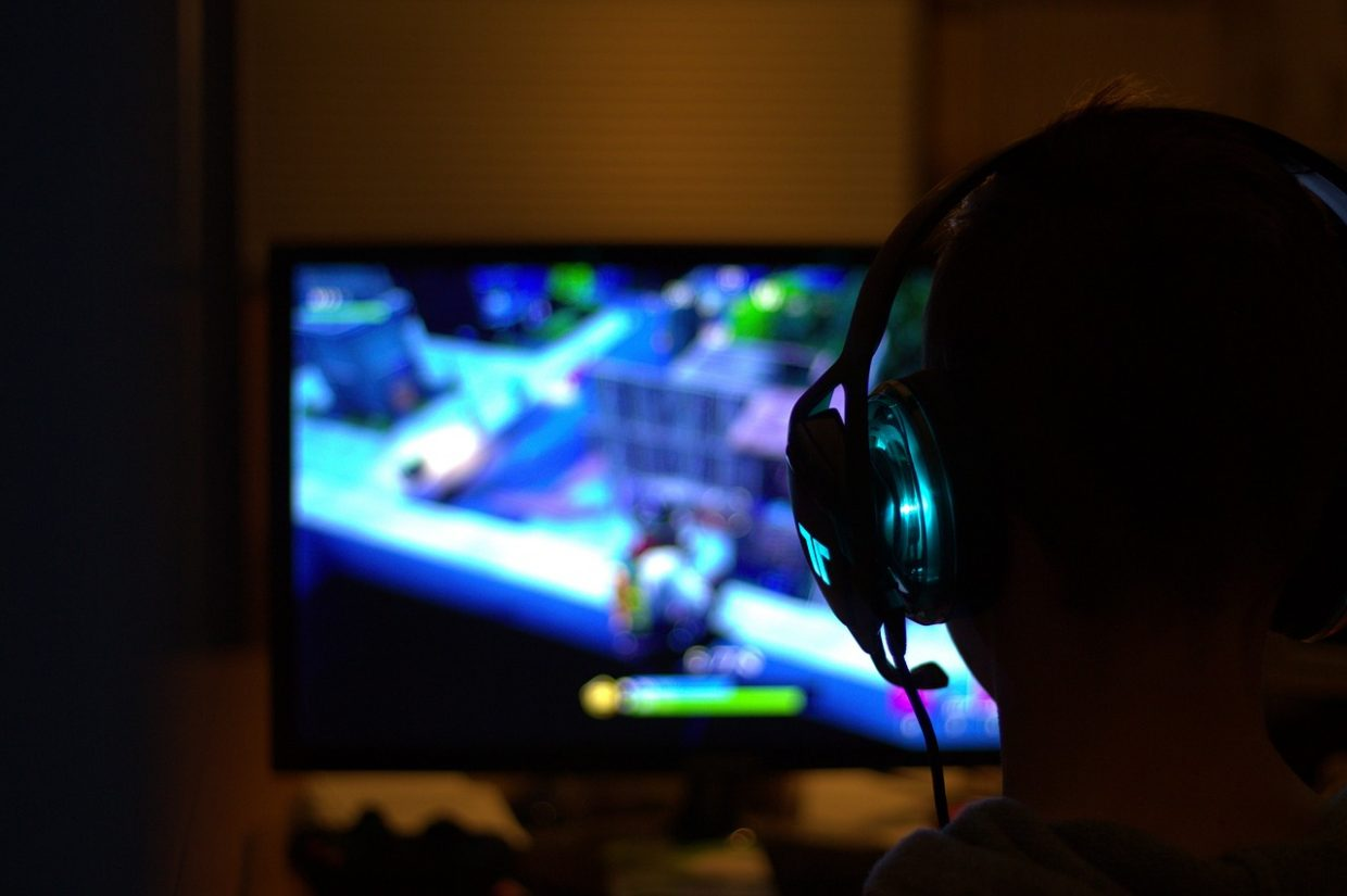 Apps, Poker, & Consoles — The Best Headphones for Different Types of Gaming