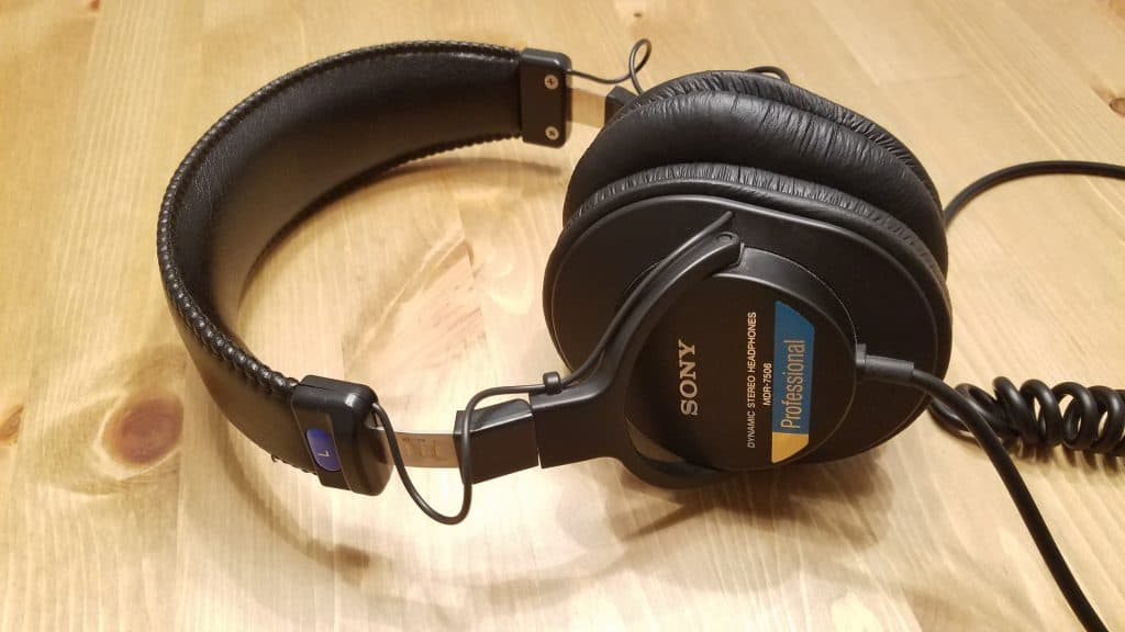 sony mdr-7506 review cover photo